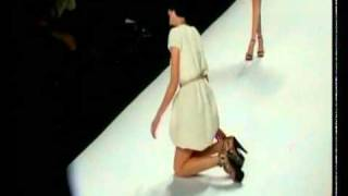 agyness deyn falls on the runway at naomi campbell s charity fashion show in 2010