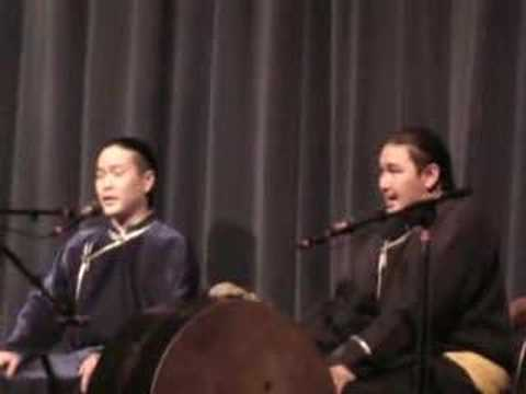Tuvan Throat Singing Alash - Oitulaash Xeveri - YouTube