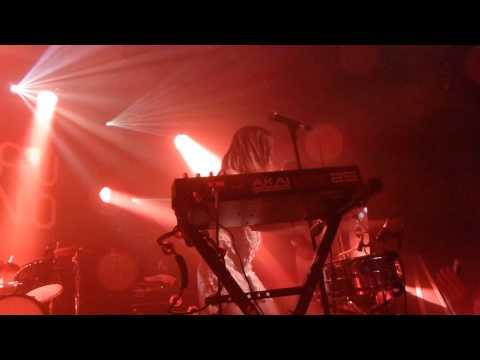 Echosmith - Nothing's Wrong - Live Paris 2015