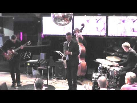 Top Dog - Guitar solo, theme, drum solo - Træben, Jazzclub Moods 2013