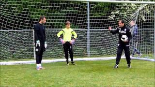 Kay Hilverink (13), Tom (17) en Daniël (23) keeperstraining van Arben Kasolli