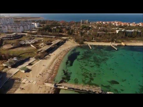 Крым, г.Севастополь, Круглая бухта, район и пляж Омега в феврале