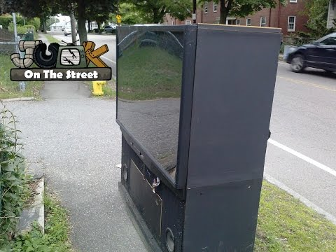 Mitsubishi WS-A65 Big Screen Television - Junk on the Street