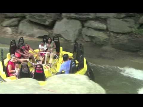 Con Mi Familia En El Parque De Atracciones Six Flags Youtube