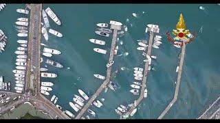 فيديو: مشاهد دمار واسع في إيطاليا بسبب الفيضانات وفرق الإنقاذ تسابق الزمن …