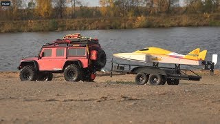 Спуск радиоуправляемой лодки на воду на Land Rover Defender (RC boat and TRX-4)