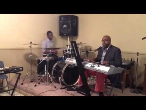 Pastor Roderic Lewis singing OverFlow