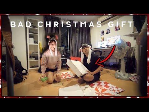 *แกล้งสาวก Uniqlo* ให้กล่องยูนิโคล เปล่าเป็นของขวัญวันคริสมาสต์