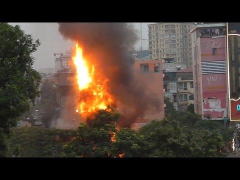 Catastrophe - Fire Explosion Rescue in Karaoke Bar Vietnam | Cháy quán bar karaoke Hà Nội, Việt Nam