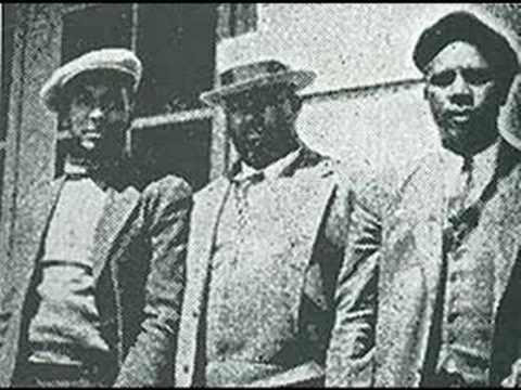 "Roots of Blues -- The Mississippi Sheiks ""Sitting On Top Of T"