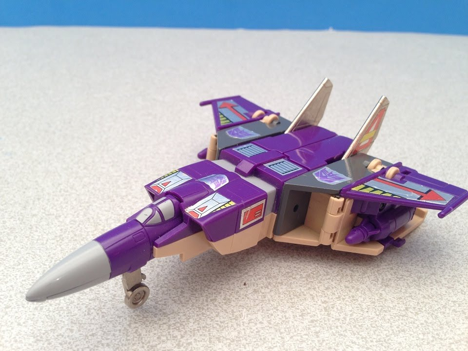 Bumblebee Transformers Animated G1 BLITZWING TRANSFORM...