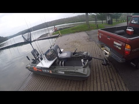 Pelican Bass Raider Fishing at Cross Creek Lake Pa (Motor Breaks)
