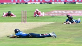 ক্রিকেট ইতিহাসে এমন ঘটনা এর আগে কখনোই ঘটেনি !!!  South africa vs Sri Lanka Match News | Bangla News