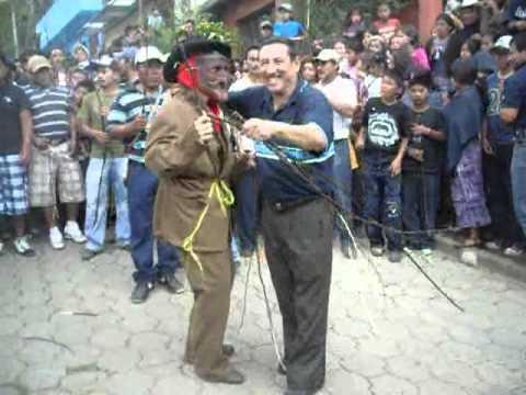 Baile del Shutio Barrrio Tzanjay San Andrés Semetabaj - Sabado de Gloria 2011