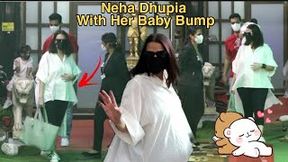 Neha Dhupia With Her Baby Bump 😊😊😊 Spotted At Bandra With Family