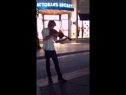 Daniel Morris playing violin
