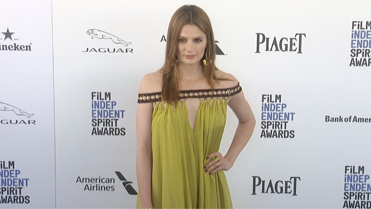 stana katic 2016 film independent spirit awards blue carpet castle star youtube