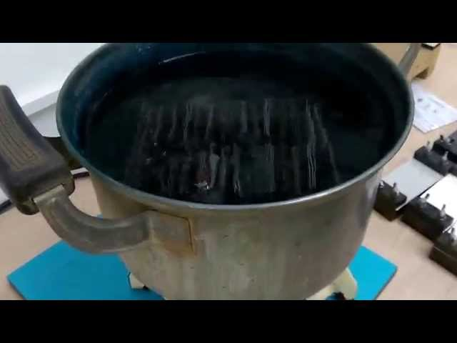 Formica testing the hpl: boiling water