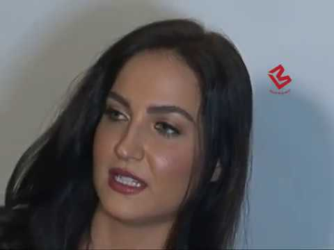 Oopss Moment Elli Avram wearing no panties in a photo-shoot..!!!! thumbnail