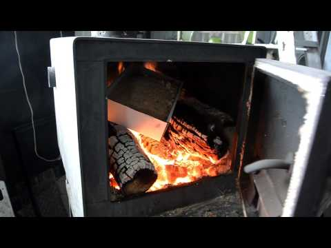 How to burn sawdust in a wood stove