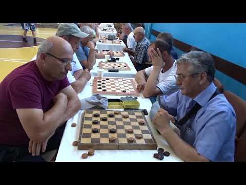 *272. Карасени С.- Панаитов Н. Эндшпиль, русские шашки  (шашки 64).