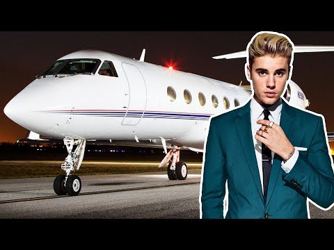 Top 10 Celebrity With Expensive Private Jet