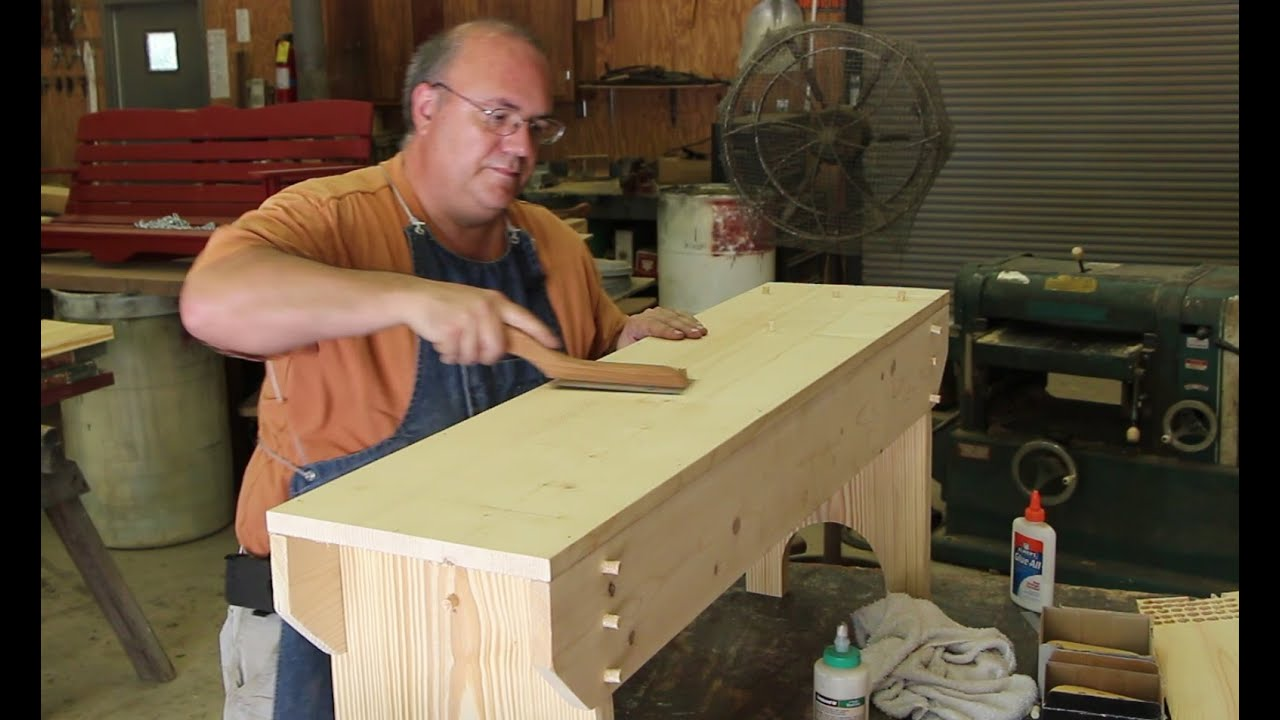 Building a Simple Wooden Bench - YouTube