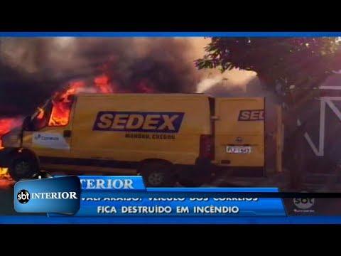 Furgão dos Correios pega fogo em Valparaíso