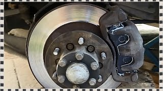 █ Замена передних тормозных колодок на Mitsubishi Pajero Sport, Часть 1(, 2015-08-01T12:47:51.000Z)
