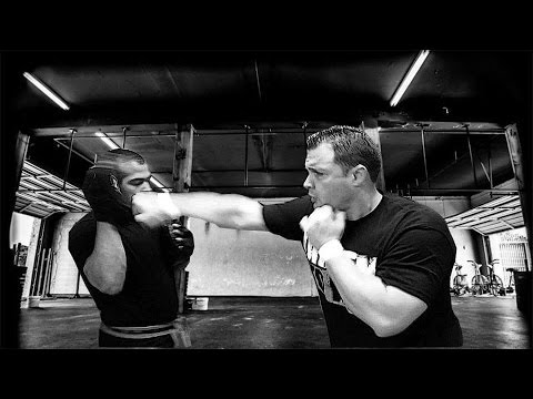 Guro Billy Brown. Bare Hands Against the Knife. Demonstration