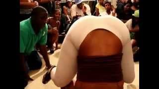 CHICAGO WAR ZONE - HIP ROLLING  TWERKING BOPPING ( WALA CAM )