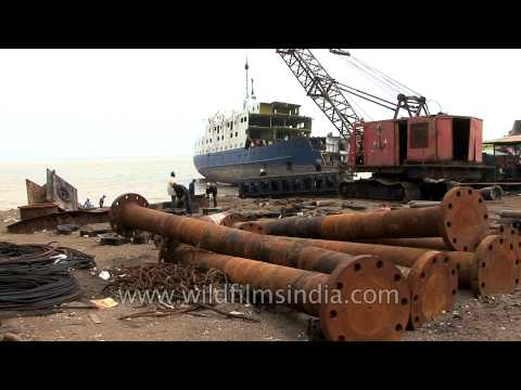 Alang : World's largest ship breaking site