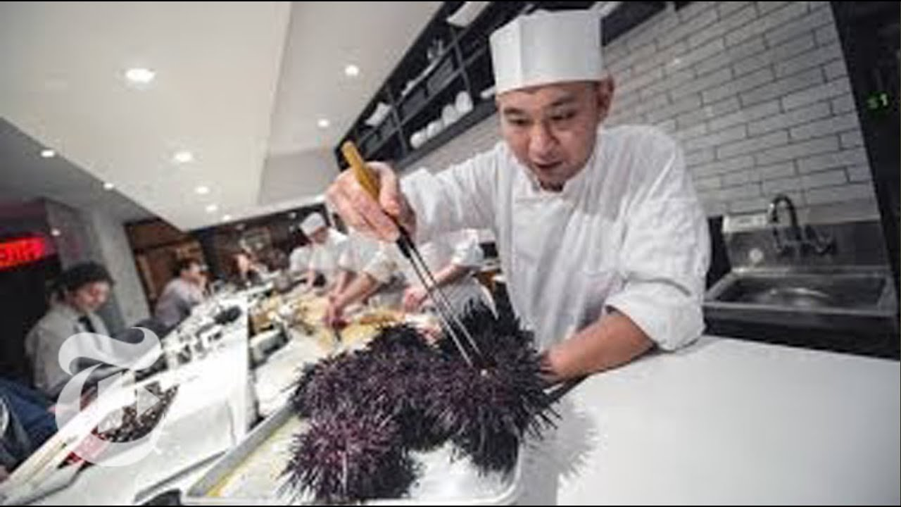 Chef nakazawa from 39 jiro dreams of sushi 39 movie has his for Akira japanese cuisine nyc