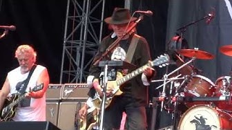 Neil Young & Crazy Horse - Cinnamon girl - Kaisaniemi, Helsinki -  August 5, 2013 - full HD 1080p