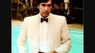 Watch Bryan Ferry The In Crowd video