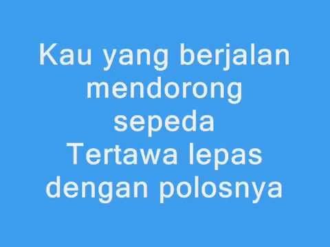JKT48 - Gingham Check ( Cinta Kotak - Kotak ) Lyrics