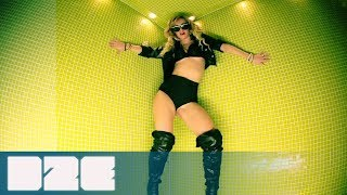 Claydee - Sexy Papi (Official Video)(iTunes: https://itunes.apple.com/gr/album/sexy-papi-single/id607041325 WEB http://www.facebook.com/claydeeofficial http://twitter.com/claydeeofficial ..., 2013-02-18T09:21:12.000Z)