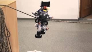 Урок робототехники в Школе управленческого резерва. Робот-канатоходец