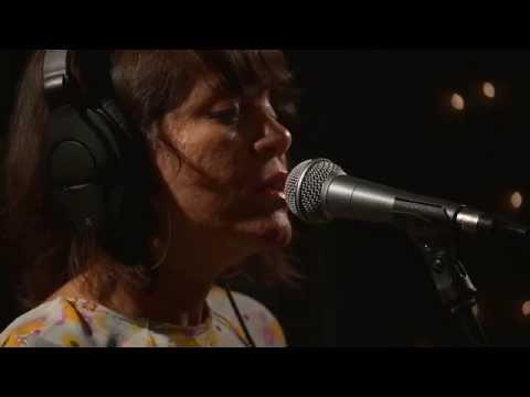 Elastic Bond - Solo Tu Amor (Live on KEXP)