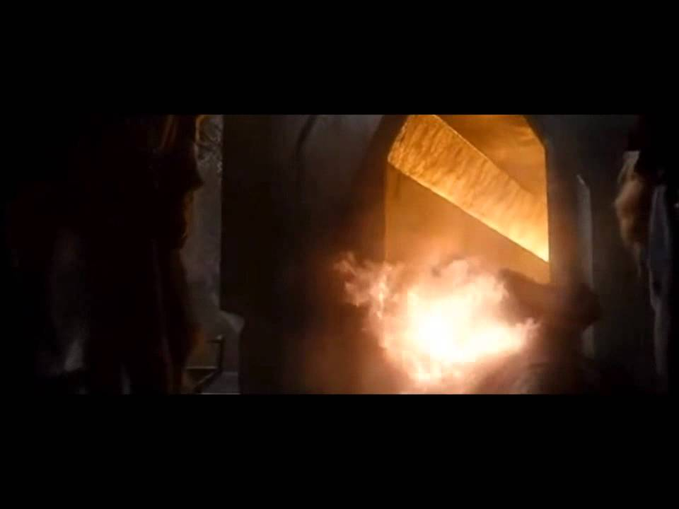 Smaug and the dwarves Part 1/4 - YouTube