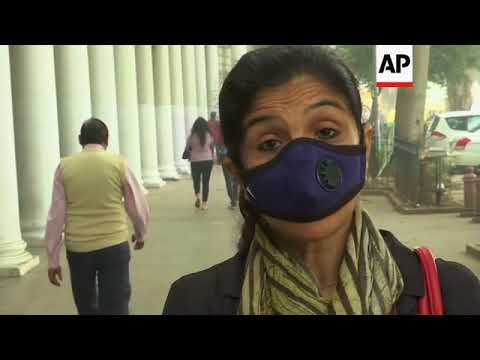 New Delhi residents fear for their health amid polluting smog
