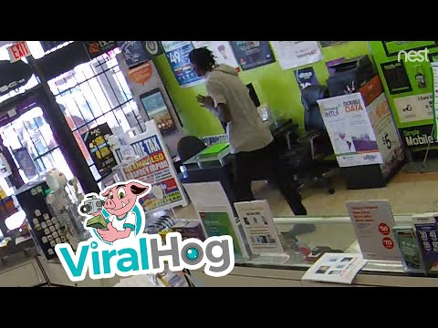 Robbery Attempt in Houston Texas || ViralHog streaming vf