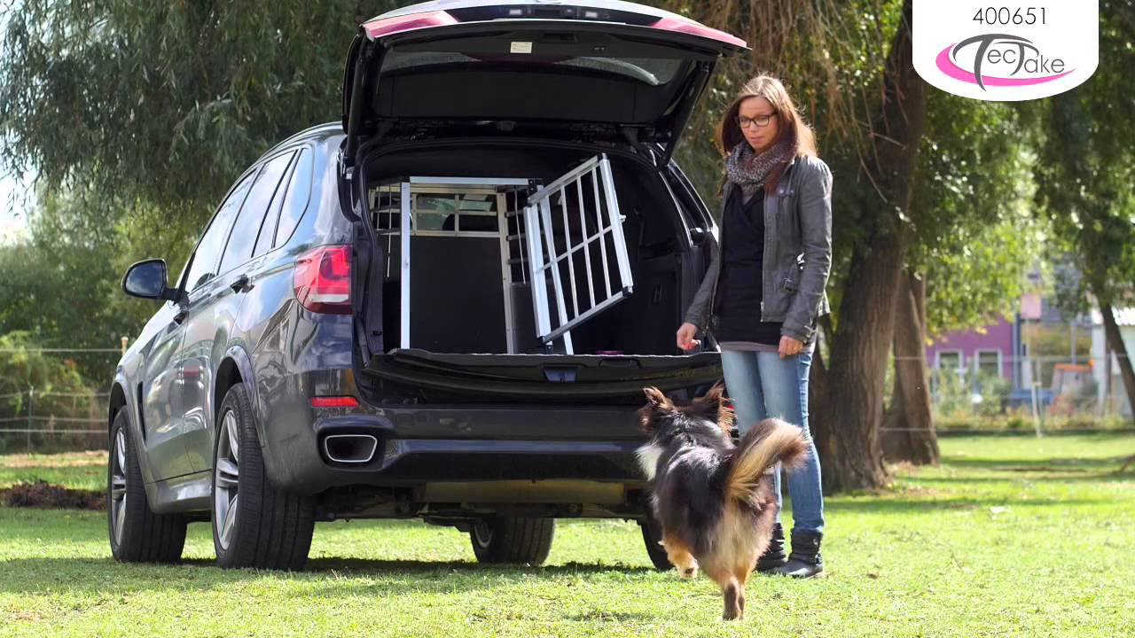 tectake cage de transport chien aluminium pour transport en voiture youtube. Black Bedroom Furniture Sets. Home Design Ideas