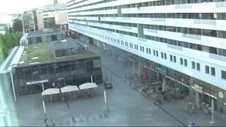 Dresden 1/5 - Prager Strasse (Hotel Ibis, Prager Zeile, Pusteblumen), Hauptbahnhof, 22 juli 2014