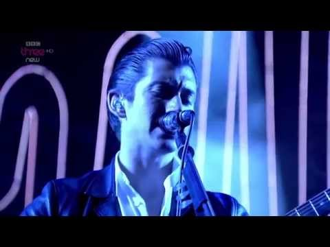 Arctic Monkeys - N°1 Party Anthem Live Reading & Leeds Festival 2014 Hd