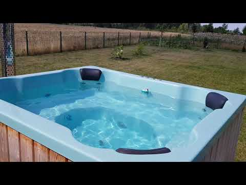"""Wood-fired Hot Tub """"Quattro"""" with Fiberglass liner."""