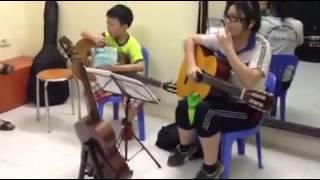 Học sinh lớp kids guitar chúc mừng sinh nhật thầy Hiếu Orion