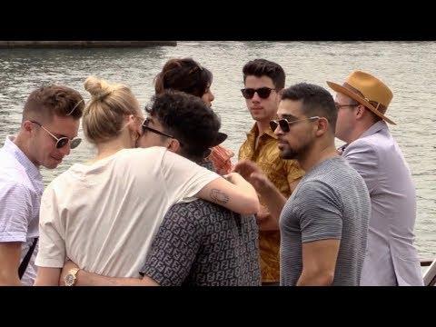 EXCLUSIVE : Joe Jonas Nick Jonas Sophie Turner and Priyanka Chopra having a boat trip on the River