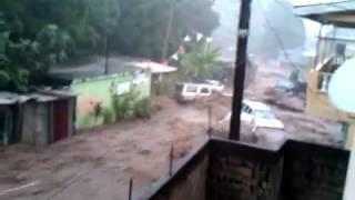 Powerful Hurricane Erika Wash Away Cars ! OMG-  Dominica HOme video