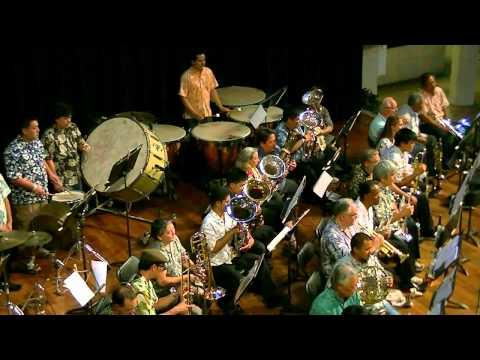 Honolulu Wind Ensemble at Ala Moana clips on 7-10-2012